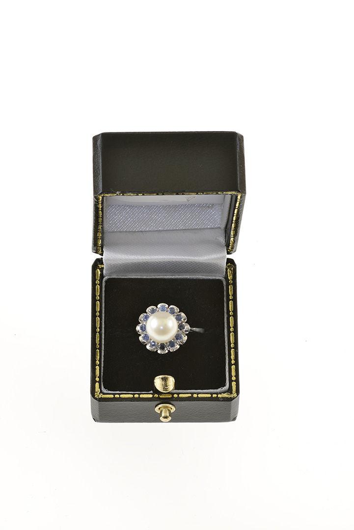 Aukčná spoločnosť SOGA spol. s r.o. - Diela Zlatý prsteň s perlou ... 02d1ac228b2
