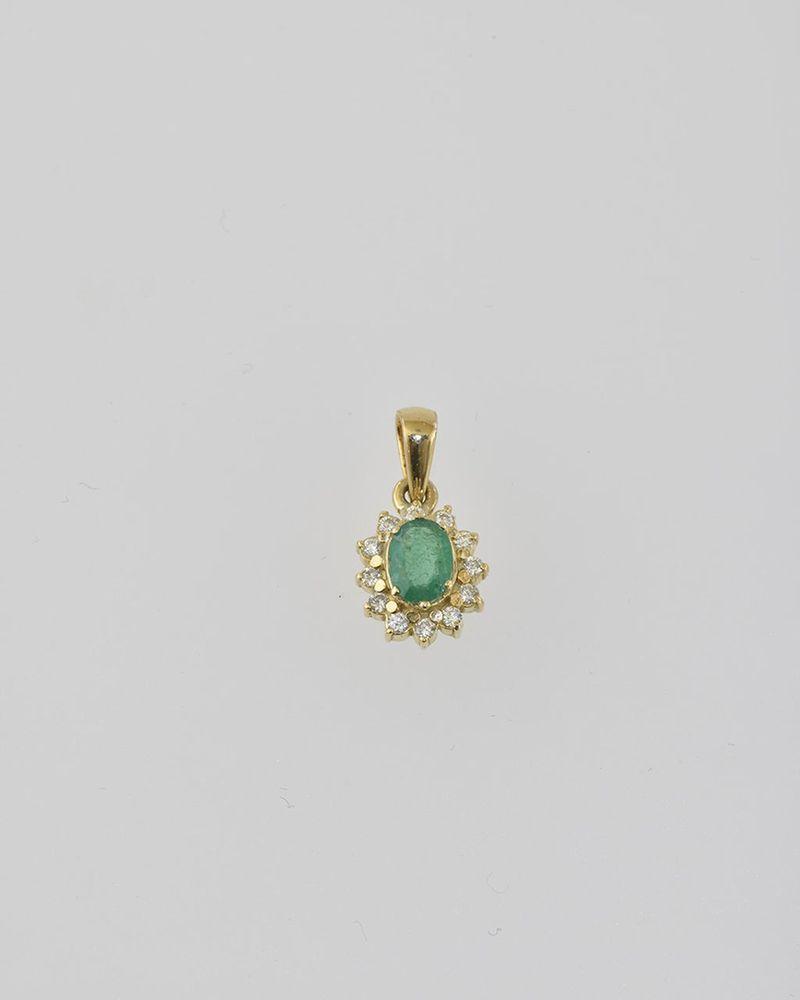 Aukčná spoločnosť SOGA spol. s r.o. - Diela Diamantový prívesok so ... b075a334e75