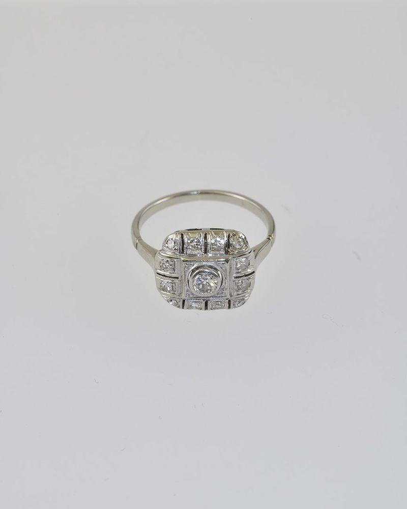 Aukčná spoločnosť SOGA spol. s r.o. - Diela Diamantový prsteň Art ... b2aa54765f7